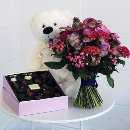 flower teddy chocs