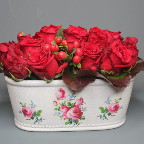 red-roses-red-berries-ceramic-container