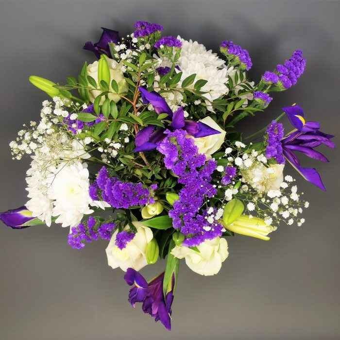 blue flower bouquet top